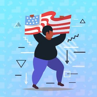 Homme afro-américain tenant le drapeau noir vit la campagne de sensibilisation à la discrimination raciale