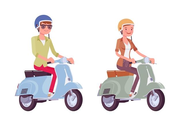 Homme, femme, équitation, scooters