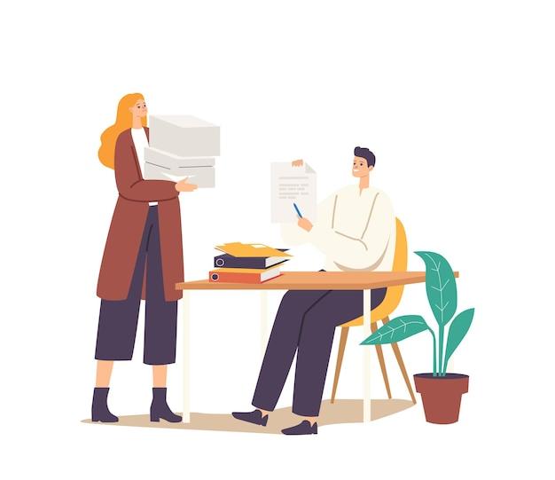 Homme et femme avec gros tas de fichiers de documents