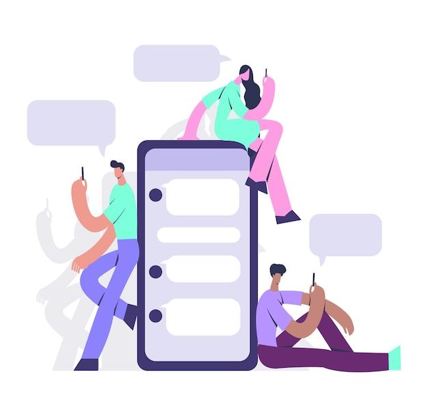 Homme et femme tenant un téléphone mobile, vérifiant et utilisant un messager.