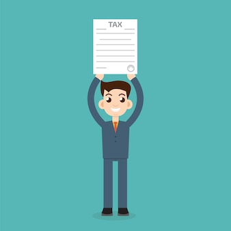 Homme avec formulaire d'impôt