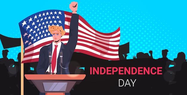 Homme politique parlant aux gens de la tribune, bannière de célébration de la fête de l'indépendance américaine du 4 juillet