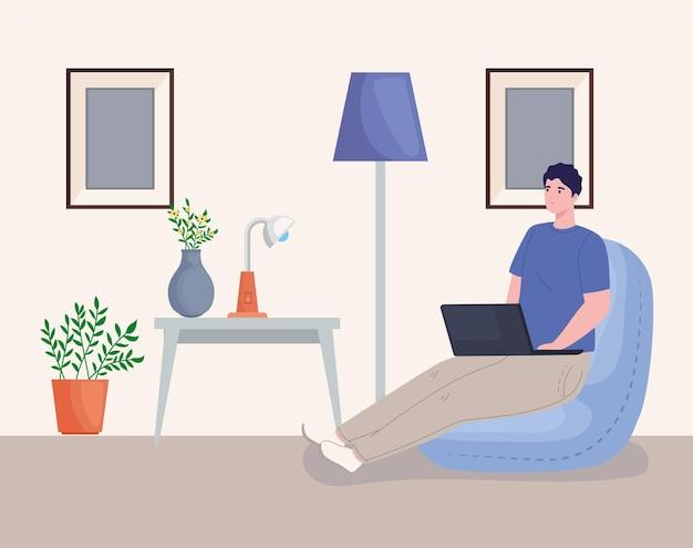 Homme travaillant à la maison
