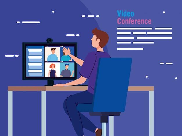 Homme en vidéoconférence depuis l'ordinateur