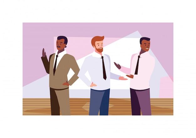 Hommes d'affaires, debout dans le bureau de travail, hommes d'affaires professionnels
