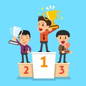 Les hommes d'affaires gagnants debout sur un podium