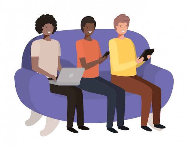 Hommes assis sur le personnage avatar du canapé