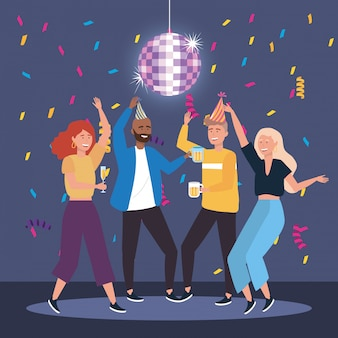 Hommes et femmes mignons danser avec du champagne et de la bière