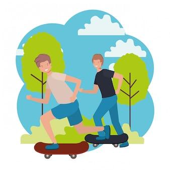 Hommes pratiquant la planche à roulettes dans le parc