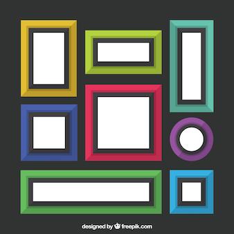 Huit cadres colorés