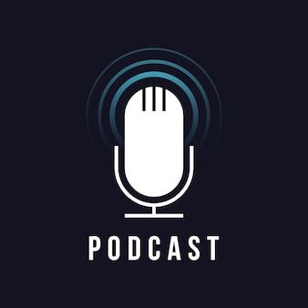 Icône de microphone de studio de table. signe de diffusion. emblème de podcast. illustration vectorielle de micro radio