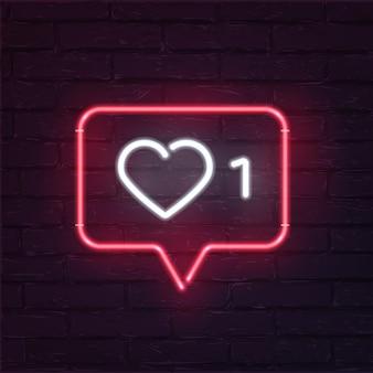 Icône de néon d'indicateurs d'activité de réseau social, notification avec coeur, numéro et nuage de parole.