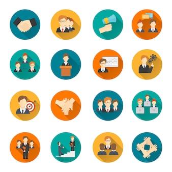 Icônes et avatars plats de travail d'équipe