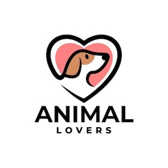 Illustration d'un chien à l'intérieur d'une forme de coeur bon pour le logo de soins pour animaux de compagnie ou toute entreprise liée au chien