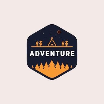 Illustration de conception de logo de camping aventure