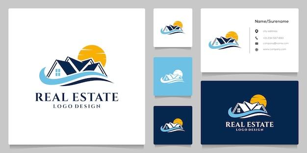 Illustration de conception de logo de luxe de plage immobilière avec carte de visite