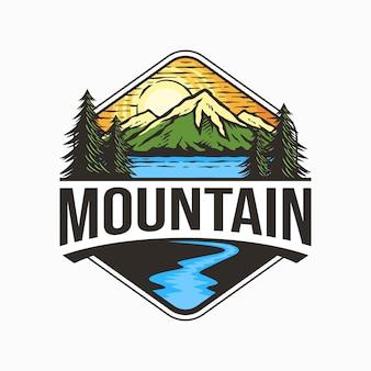 Illustration de conception de logo de montagne vintage