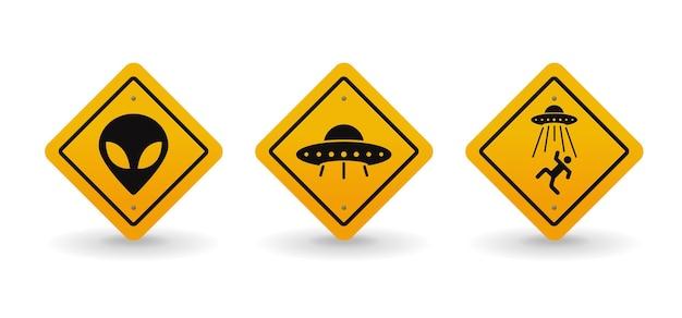 Illustration de jeu de collection de panneaux de signalisation d'avertissement alien et ovni