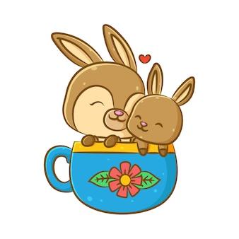 L'illustration de la jolie mère de lapin avec son fils assis sur la tasse bleue
