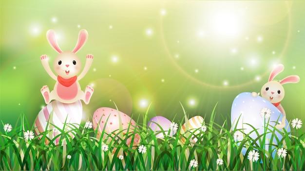 Illustration de lapin mignon avec des oeufs de pâques caché dans l'herbe
