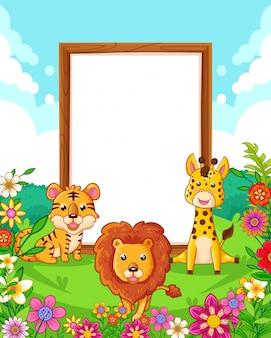 Illustration vectorielle d'animaux mignons avec panneau blanc bois dans le parc