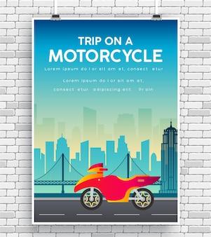 Image de moto sur l'affiche d'icône de route sur le mur de briques