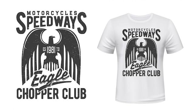 Impression de sport de course de moto avec aigle