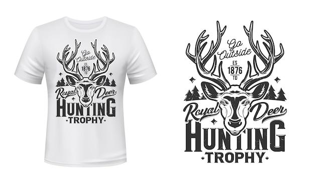 Impression de t-shirt de chasse au cerf, emblème du club de chasse au trophée. museau de tête de cerf royal de forêt sauvage ou de rennes, chasse ouverte et badge de mascotte d'animal de club de chasseur pour l'impression de t-shirt