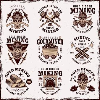 Industrie minière d'or et ensemble d'extraction de ressources de neuf emblèmes, badges, étiquettes ou logos vintage illustration vectorielle isolée sur fond avec des textures grunge amovibles