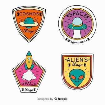 Insigne de l'espace coloré dessiné à la main collectio