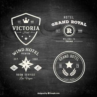 Insignes de l'hôtel emballent dans un design plat