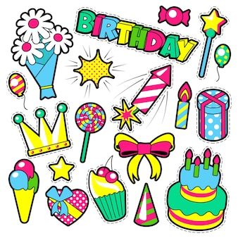 Insignes de mode, patchs, thème d'anniversaire autocollants. éléments de fête de joyeux anniversaire dans un style comique avec gâteau, ballons et cadeaux. illustration