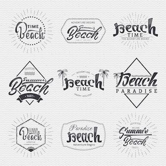 Les insignes sont fabriqués à l'aide des compétences de lettrage et de calligraphie, utilisez la bonne typographie et composition.