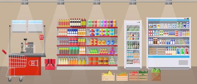 Intérieur de magasin de supermarché avec des marchandises.