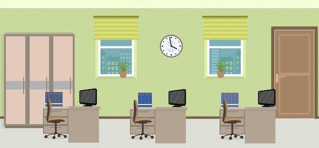 Intérieur de la salle de bureau comprenant trois espaces de travail avec mobilier.