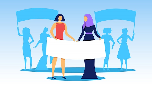 Interracial girls se tenir en rang avec de grandes bannières