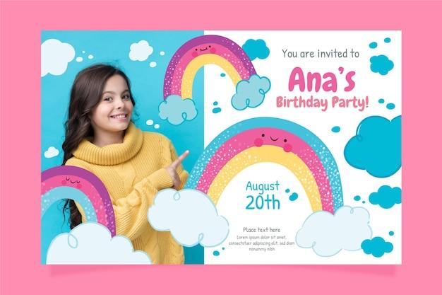Invitation d'anniversaire arc-en-ciel avec photo