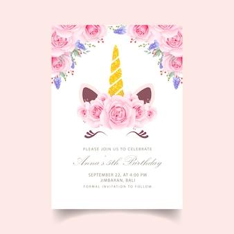 Invitation d'anniversaire florale avec une licorne mignonne