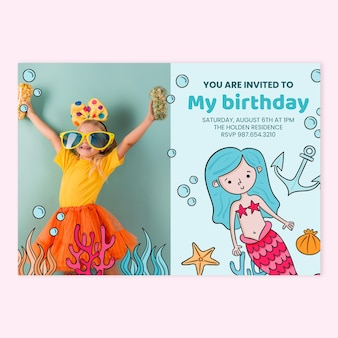 Invitation d'anniversaire de sirène dessinée à la main avec modèle photo