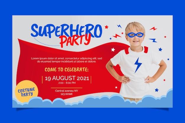 Invitation d'anniversaire de super-héros plat organique avec photo