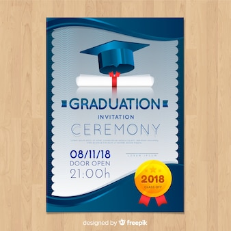 Invitation élégante à l'obtention d'un diplôme avec un design réaliste