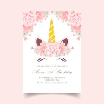 Invitation florale anniversaire d'enfants avec une licorne mignonne