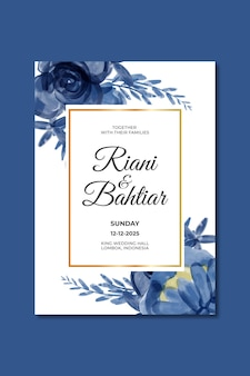 Invitation de mariage avec des fleurs bleues aquarelles