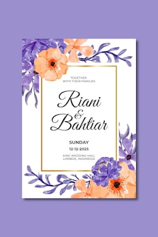 Invitation de mariage avec des fleurs violettes orange aquarelles