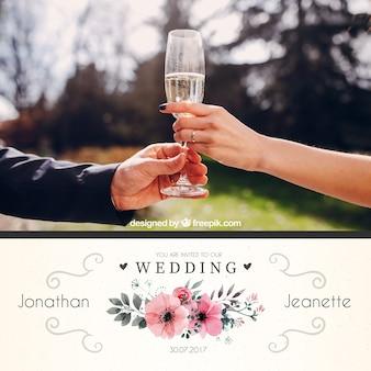 Invitation de mariage avec de jolies fleurs d'aquarelle