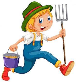 Un jardinier courant avec un râteau et un seau