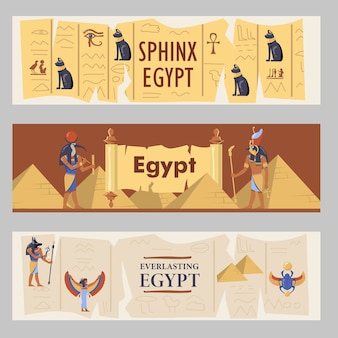Jeu de bannières egypte. pyramides égyptiennes, chats et dieux illustrations vectorielles avec texte. modèles pour dépliants ou brochures de voyage