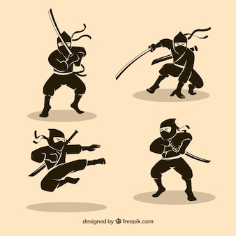 Jeu de caractère ninja traditionnel dessinés à la main