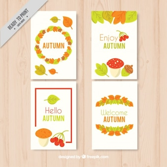 Jeu de cartes avec des éléments naturels d'automne