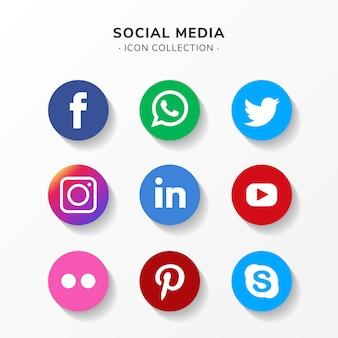 Jeu d'icônes de médias sociaux modernes au design plat